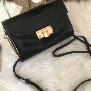 Michael Kors medium kinsley wallet Xbody